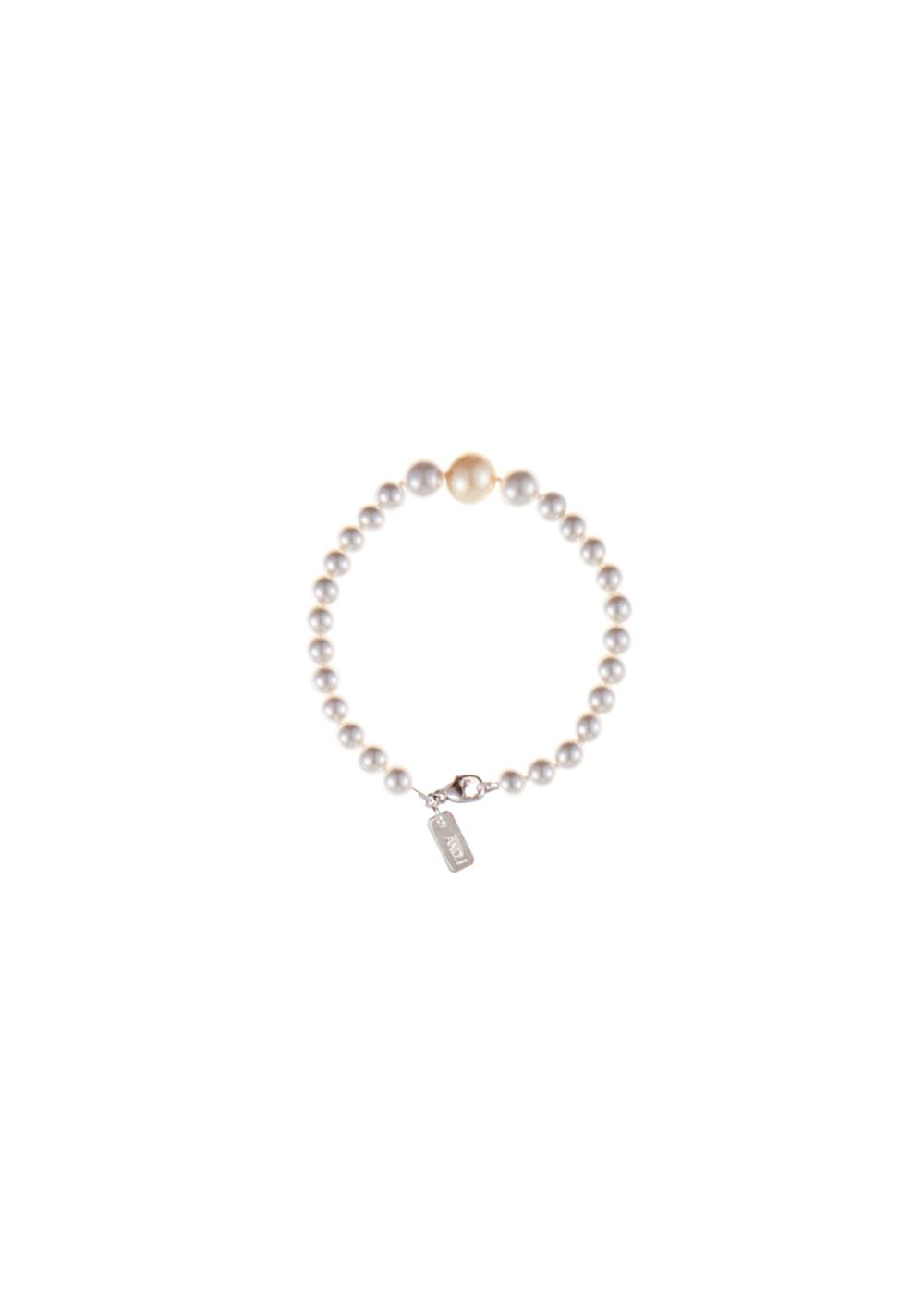 Drop Pearl Wristband